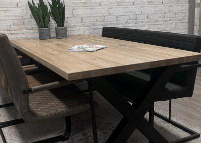 woonhuys tafel massief eiken blad